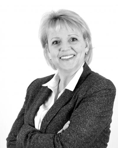 Mariska van Uden  - Senior jurist
